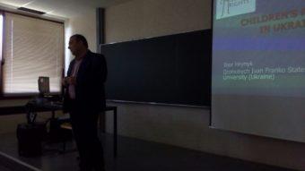 Associate Professor Igor Grynyk delivers a lecture