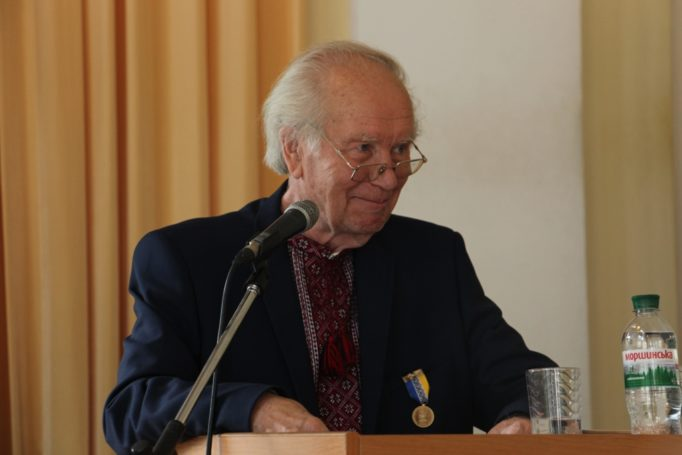 Academician, Doctor of Geographical Sciences, Professor of I. Franko National University in Lviv Oleh Shabliy delivers his report.