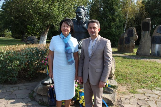 University management at Ivan Franko's home. (left to right): Rector Prof. Nadia Scotna and Vice-Rector for Scientific and Pedagogical Activities Assoc. Prof. Volodymyr Sharan