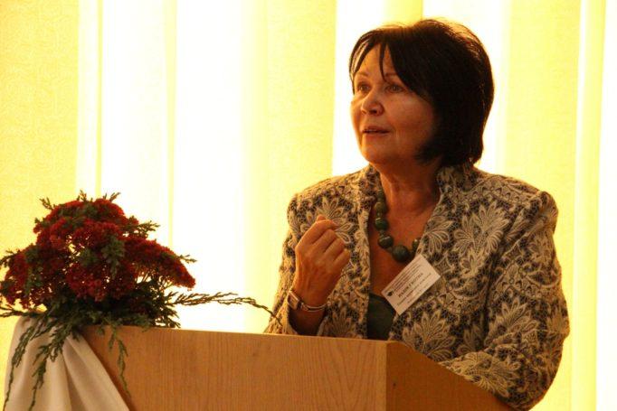 Rector Nadia Skotna greets the conference participants