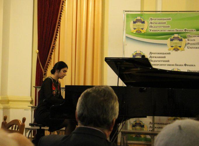 Performance by student Yulia Osmachko