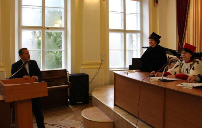 The Mayor of Drohobych Taras Kuchma congratulates Bogdan Filts