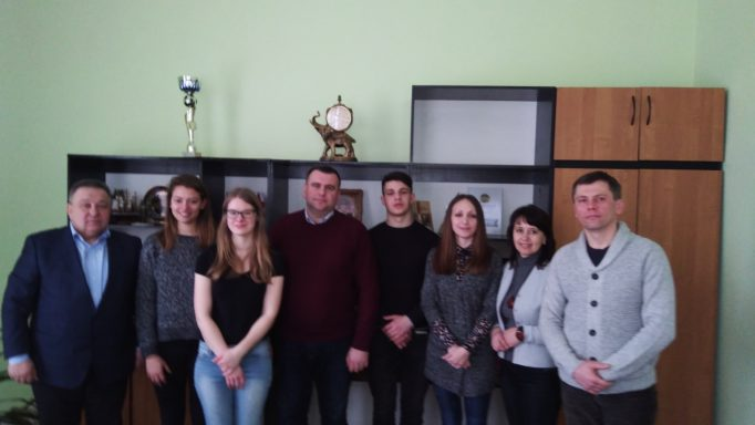 Participants of the working meeting (from left to right: Professor M. Lukyanchenko, Belgian students (Ines and Natani), associate professor Y. Vovk, student I. Yavir, associate professors N. Hrybok, N. Zakaliak, O. Lohvinenko.