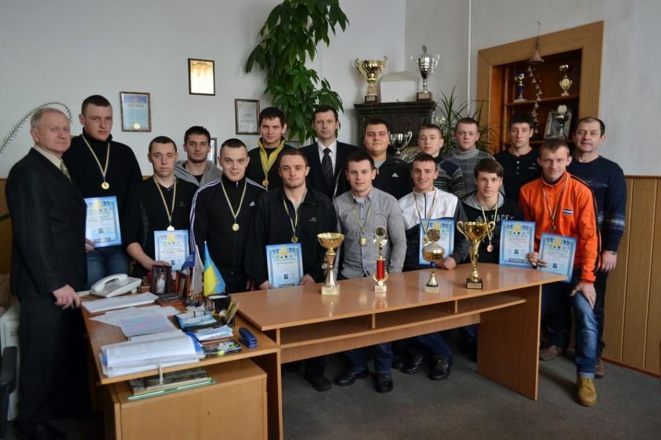 XVII традиційний турнір з гирьового спорту