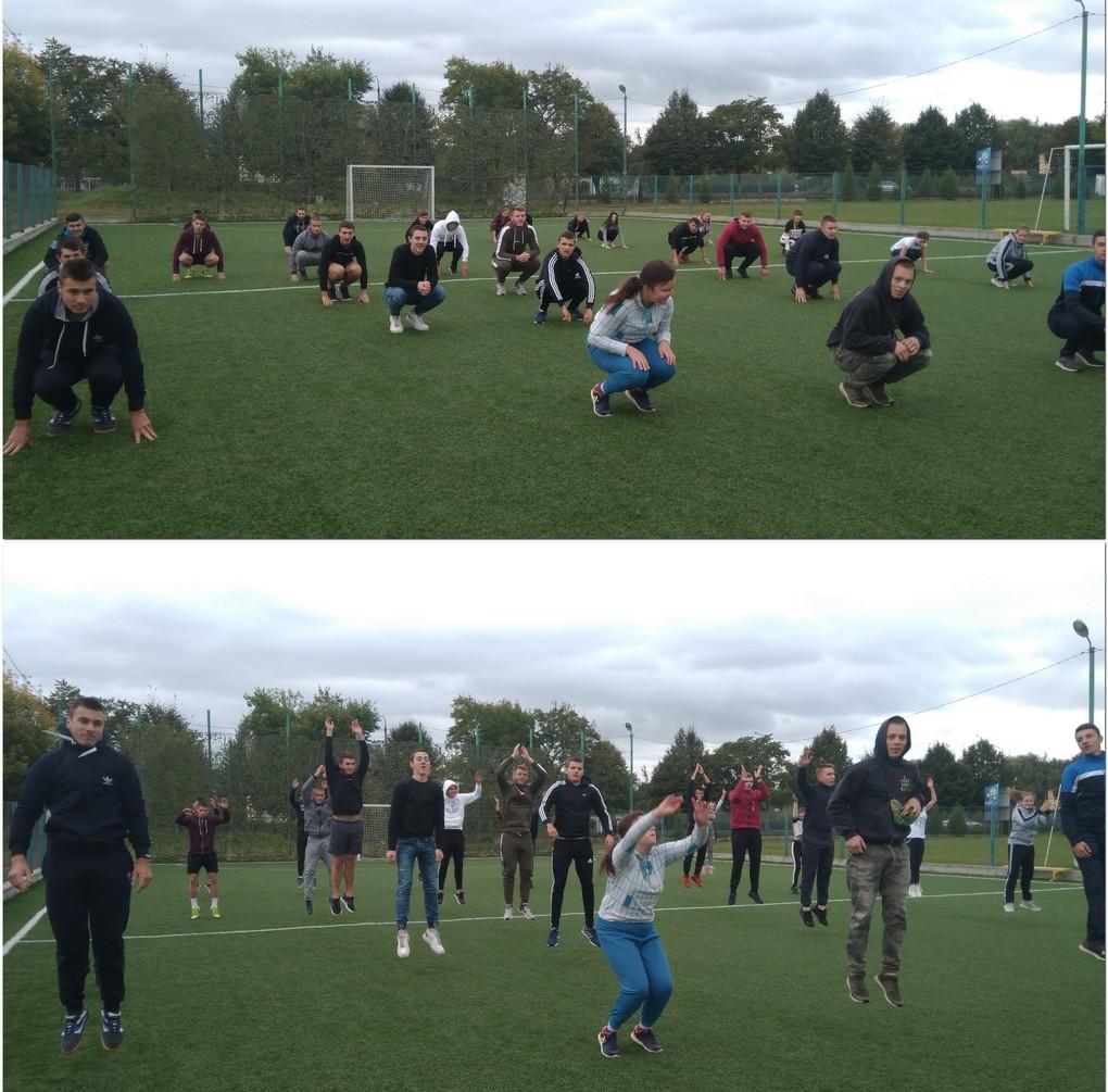 Студенти виконують вправу берпі