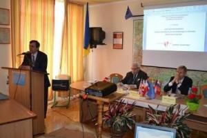 Відкриття конференції директором Австрійської бібліотеки у Дрогобичі доц. Я.Лопушанським