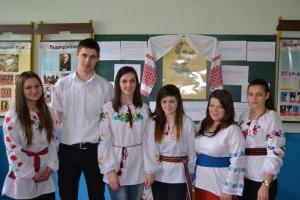 На фото зліва направо: Т. Венцик (ФВ-11), А. Телятник (ЗЛ-33), Х. Волошин (ЗЛ-23), І. Токмакова (ЗЛ-23), М. Шаргут (ФВ-22), М. Гурелич (ФВ-11)