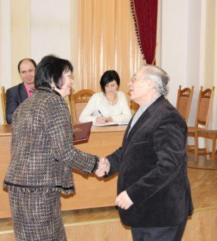 Ректор професор Надія Скотна вітає професора Корнелія Сятецького
