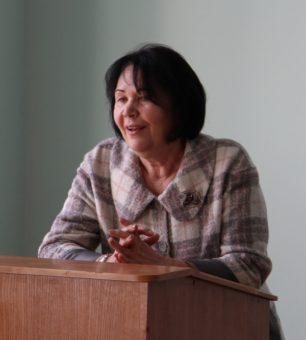 Ректор професор Надія Скотна вітає випускників