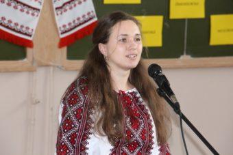 Виступає студентка 4 курсу Оксана Вархолик