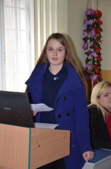 Свою бізнес-ідею презентує Вероніка Кулинич, учениця Дрогобицького педагогічного ліцею