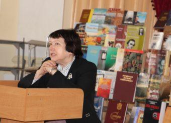 Слово на пошану ювіляра виголошує професор Львівської національної музичної академії ім. М. Лисенка Любов Кияновська