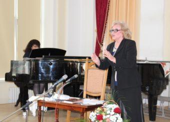 Співає доцент Ірина Кліш