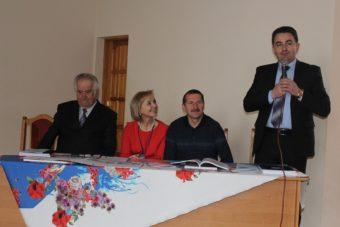 До учасникiв конференцii звертаeться проректор Володимир Шаран