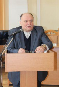 Доповідь виголошує професор ЛНУ ім. І. Франка Богдан Якимович