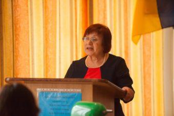 Доповідь виголошує проф. Марія Федурко