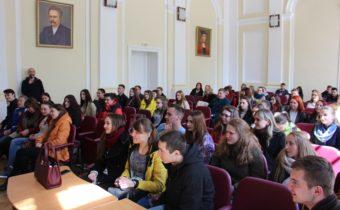 Студенти на зустрічі з гуртом «Антитіла»