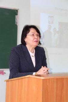 Ректор професор Надія Скотна вітає учасників конференції