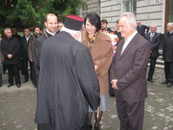 Керівництво університету зустрічає блаженнішого Любомира Гузара