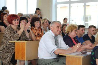 Викладачі факультету на святі останнього дзвоники
