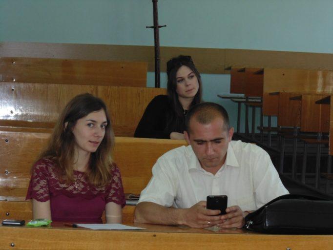 Учасники конференції Леся Хомич та доцент Богдан Лазорак