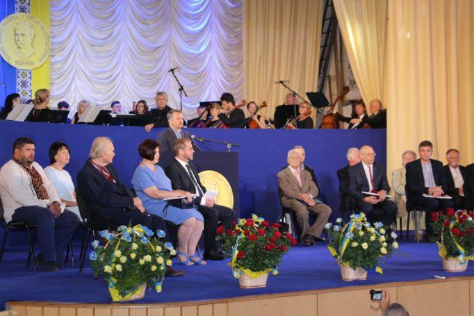 Учасників та гостей заходу вітає голова Львівської обласної державної адміністрації Олег Синютка