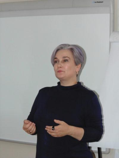 Тренінг проводить старший викладач Тетяна Гера