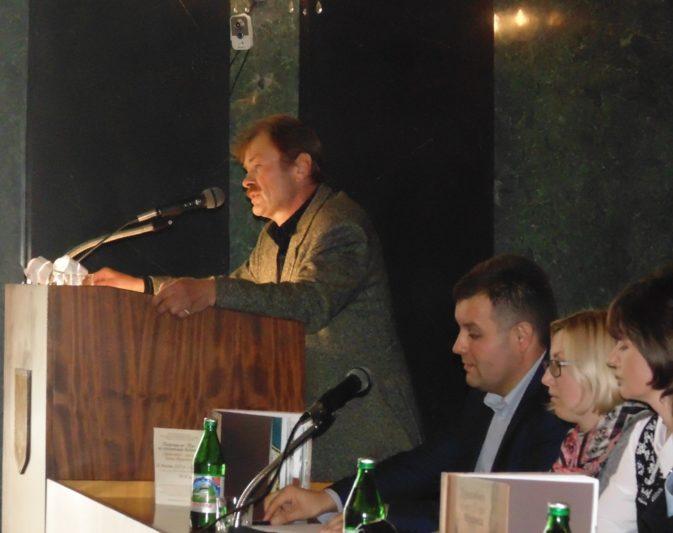 Про особливості та труднощі англійського перекладу розповідає доцент Олег Шалата