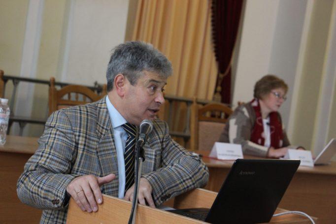 Лекцію читає адвокат Олег Мицик