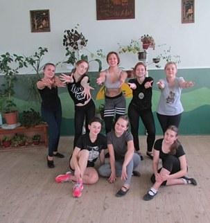 Втомлені, але щасливі студенти після майстер-класу з хореографіі від фітнес-тренера Ірини Трегуб