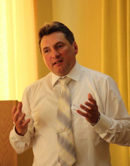 Про нестандартні підходи до керівництва початковою школою розповідає директор Стрийської ЗОШ №11 Сергій Запісов