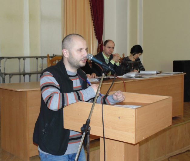 Доповідає помічник ректора Володимир Кісіль
