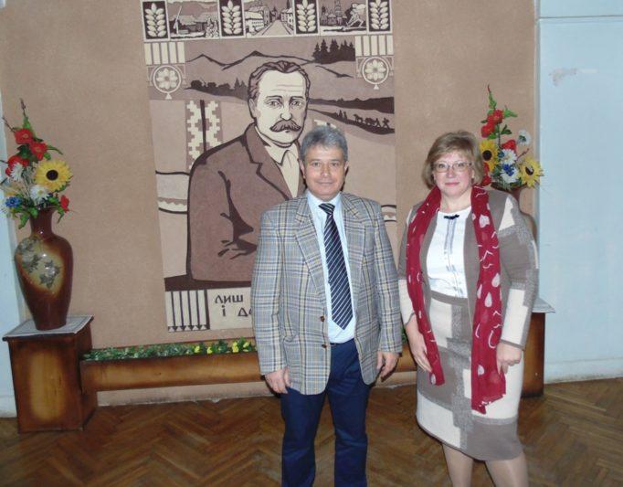 Лектор-адвокат Олег Мицик з модератором лекції професором Світланою Щудло
