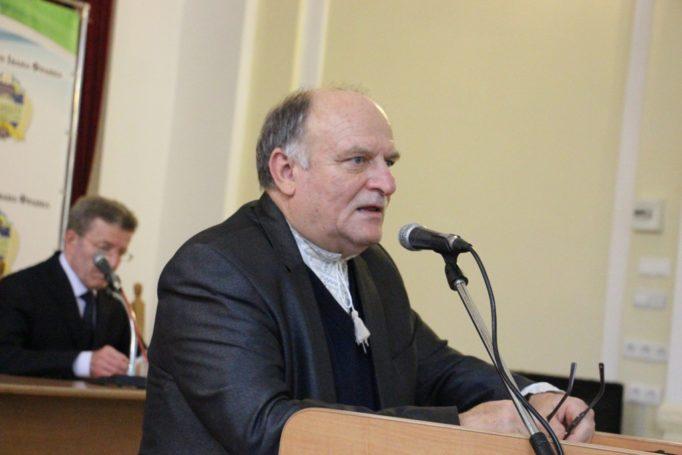 Наукову доповідь виголошує професор Богдан Якимович