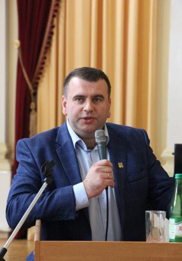 Відкриває зустріч проректор з науково-педагогічної роботи доцент Юрій Вовк
