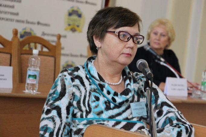 Доповідає доктор мед. наук Людмила Пісоцька