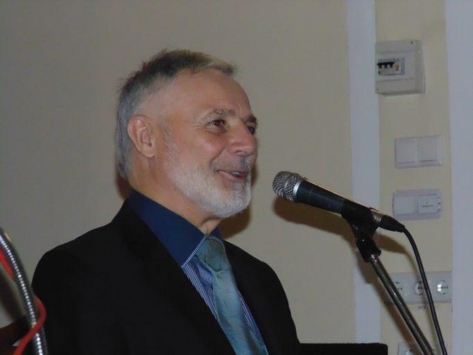Учасників та гостей заходу вітає професор Мирослав Савчин