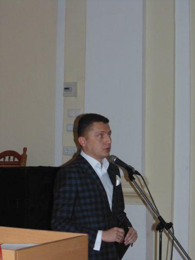 До присутніх звертається модератор доцент Андрій Зимянський