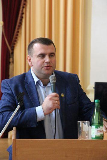 Модератор заходу проректор з науково-педагогічної роботи доцент Юрій Вовк