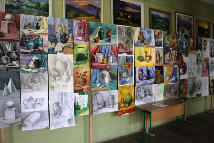 Виставка навчальних художніх робіт студентів факультету початкової та мистецької освіти з нагоди проведення Дня відкритих дверей