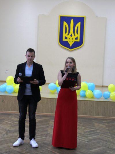 Ведучі свята Андрій Василів та Роксолана Пецкович