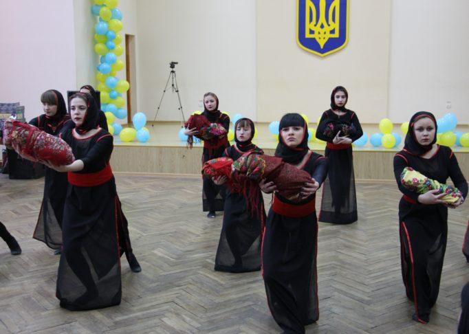 Виступ танцювального колективу «Нова хвиля»