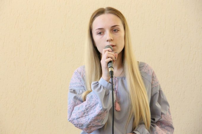 Співає студентка Уляна Іванова (ІП-31Б)