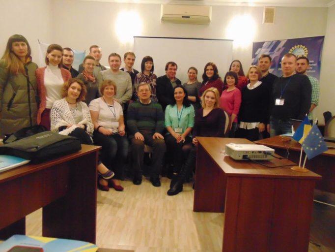 Фото з професором Тарасом Фiнiнковим