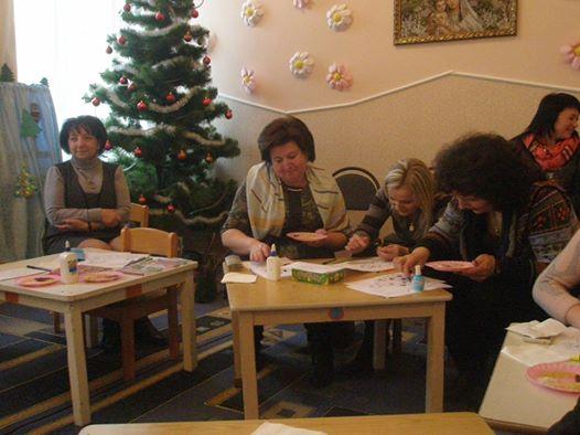 майстер-клас з учасниками науково-методичного семінару проводить Оксана Гевко