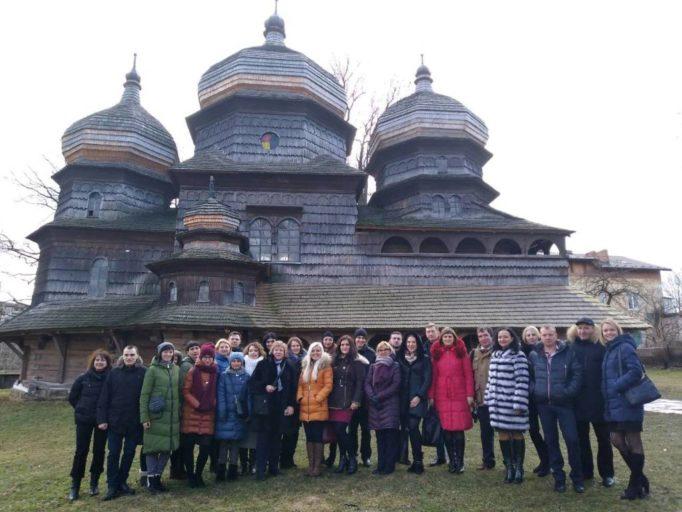 Учасники І Зимової школи біля Церкви Св. Юра