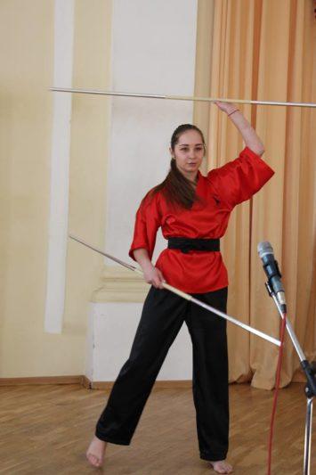 На сцені студентка соціально-гуманітарного факультету, майстер спорту з хортингу Валентина Крощук