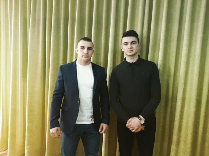 Студенти групи ФР-23 Д. Новза-Федюк та Д. Дужий