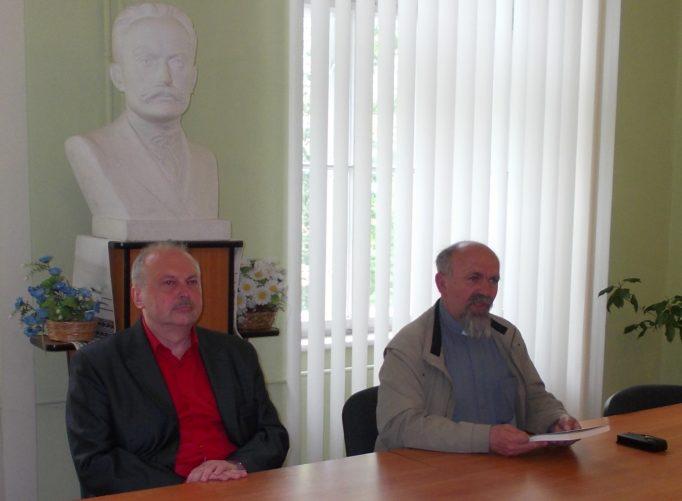 Зліва направо доцент Олег Баган та о.-прот. Іван Гаваньо