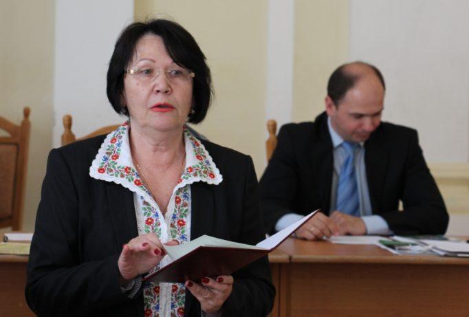 Ректор професор Надія Скотна відкриває урочисте засідання вченої ради